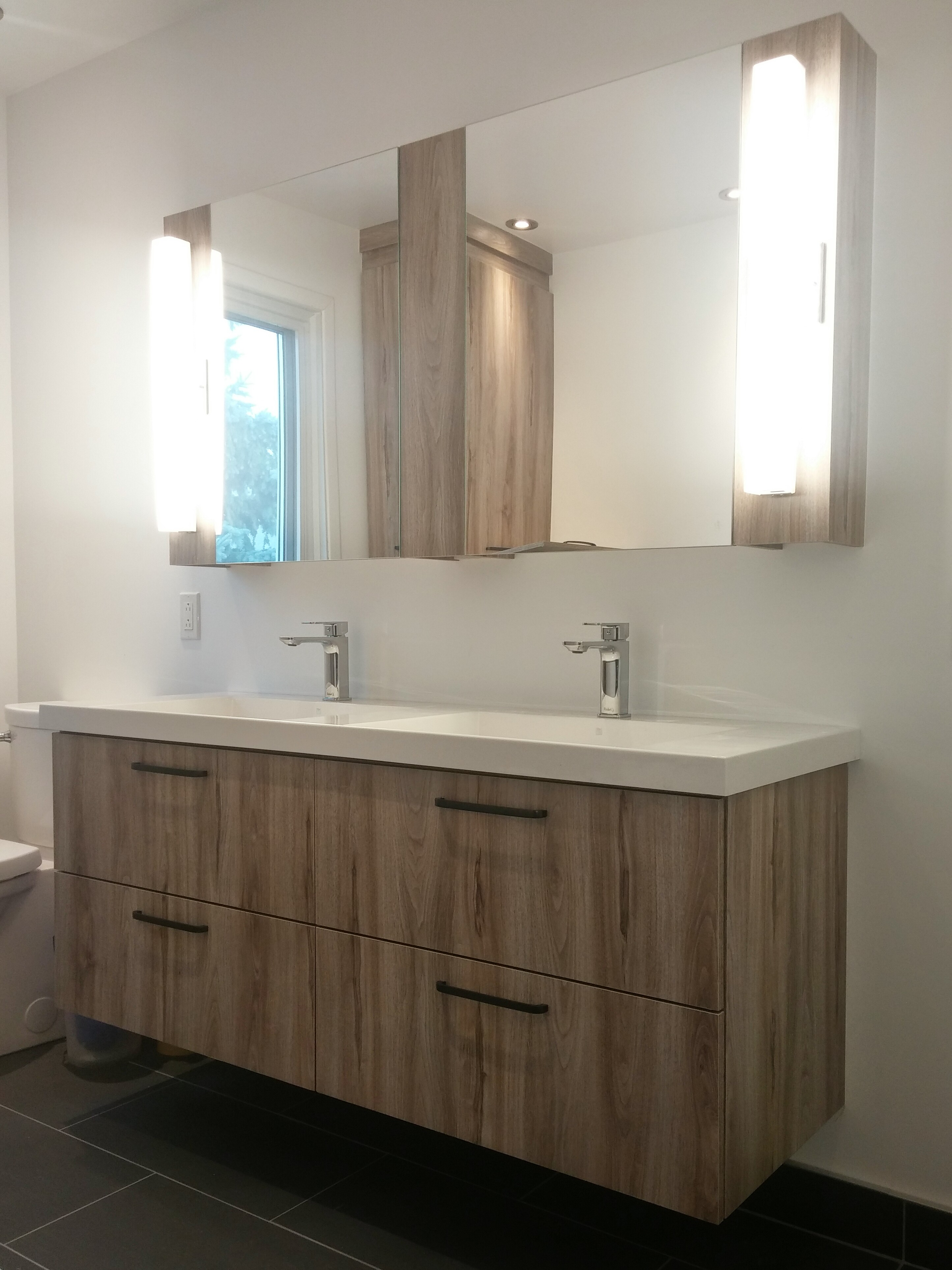 Beautiful Vanite Salle De Bain A Vendre Images - House Design ...
